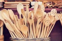 Handmade деревянные утвари кухни стоковые фото