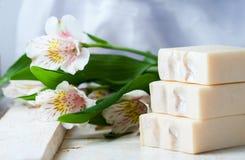 handmade естественное мыло Курорт стоковые фотографии rf