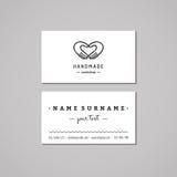 Handmade идея проекта визитной карточки мастерской Handmade логотип мастерской при руки делая сердце Год сбора винограда, битник  Стоковая Фотография RF
