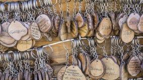 Handmade кольца для ключей с разнообразием people& x27; имена s, ремесленничество g Стоковые Изображения