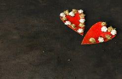 2 handmade красных сердца Стоковая Фотография