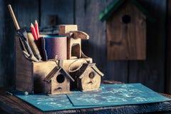 Handmade малые дом и план строительства птицы Стоковые Изображения