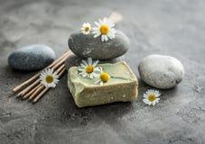 Handmade мыло с стоцветом, куря лаванда вставляет стоковое фото