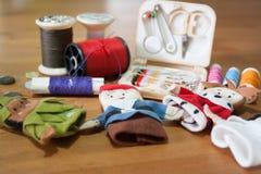 Handmade палец куклы рождества для подарка рождества на деревянном backgr Стоковая Фотография RF