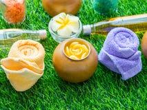 Handmade персик сахара Scrub с маслом Argan handmade мыло Himala Стоковое фото RF