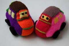 Handmade подарок для детей, малолитражный автомобиль knit Стоковая Фотография