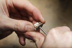 Handmade процесс ювелира, изготовление украшений Стоковые Изображения RF