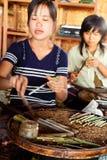 Handmade сигареты в озере Inle, Мьянме Стоковые Фото