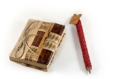 Handmade тетрадь и ручка Стоковое фото RF