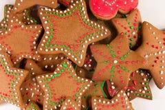 Handmade украшенные печенья имбиря стоковое изображение