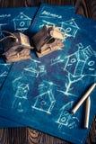 Handmade фидер для птиц и плана строительства Стоковое фото RF