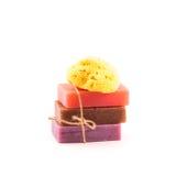 Кирпичи handmade мыла с естественной губкой моря. Принципиальная схема СПЫ. Стоковая Фотография RF