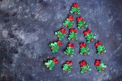 Handmade barwione nowy rok wigilie na zmroku ukazują się zdjęcie royalty free