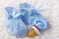 Handmade blue baby booties Royalty Free Stock Photography