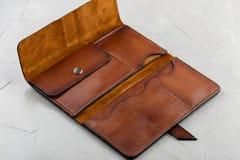 Handmade brown skóry pusty otwarty portfel Zdjęcie Stock