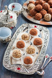 handmade cukierków płatki, jagła, wysuszone owoc i dokrętki, Zdjęcie Stock
