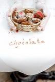 Handmade czekolady w koszu Zdjęcie Royalty Free