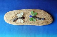 Handmade dragonfly изображения, используя стекло моря и древесину, Литва стоковые фотографии rf
