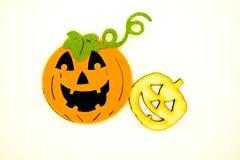 Handmade Halloweenowe banie odizolowywać na białym tle Gąbki i drewna banie obraz stock