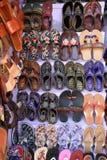 Handmade indianów buty dla sprzedaży w Agra, Uttar Pradesh, India zdjęcia royalty free
