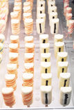 Handmade kolorowy czekoladowy cukierki, tło Fotografia Stock