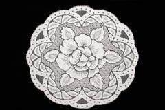 Handmade koronkowy doily na czerni Zdjęcia Royalty Free