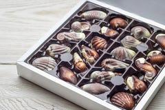 Handmade luksusowa czekolada w pudełku - strzelającym w studiu zdjęcie stock