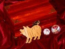 Handmade mahoniowy biżuterii pudełko fotografia stock