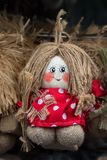 Handmade rocznika pamiątkarska lala dla sprzedaży w rękodzieło rynku obraz stock
