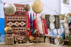 Handmade rzemiosła sprzedaje wewnątrz chefchaouen zdjęcia stock