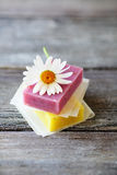 Handmade soaps and daisy Royalty Free Stock Photography