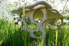 handmade st??, autora projekt, drewniany st??, g?adkie formy w sto?owym projekcie, fotografia stock
