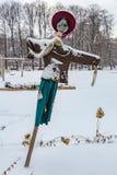 Handmade strach na wróble w śniegu obrazy stock