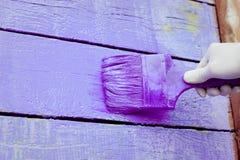 Handmalende violette hölzerne Wand Lizenzfreie Stockfotografie
