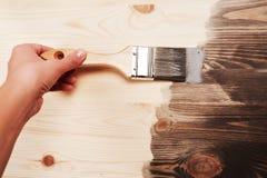 Handmalerei auf Holztisch Lizenzfreie Stockfotos