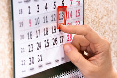 Handmarkering 13th, fredag på kalender Royaltyfria Foton
