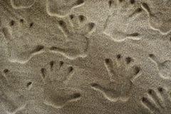 Handprints в песке Стоковая Фотография RF