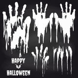 Handprints blancos en la pizarra para Halloween libre illustration