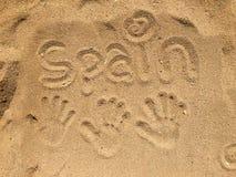 Handprints en arena fotografía de archivo libre de regalías