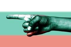 Handpunkt mit dem Finger in der Bulgarien-Staatsflagge Lizenzfreie Stockfotografie