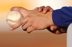 Hands and baseball ball Pitcher 2 Royalty Free Stock Photography
