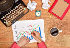 Hands drawing stock chart Royalty Free Stock Photos