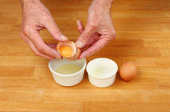 Hands eggs Royalty Free Stock Photos