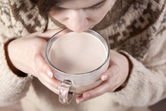 Hands hold cocoa Stock Photos