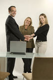 hands holding meeting team Στοκ εικόνες με δικαίωμα ελεύθερης χρήσης