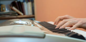 Hands pianist and piano player Royalty Free Stock Photos