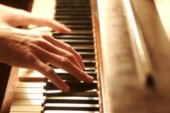 hands pianot Arkivfoton
