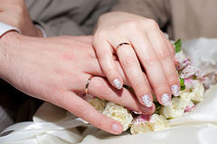 Hands with wedding rings Royalty Free Stock Photography