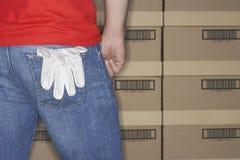 Handschoenen die van Achterzak hangen Stock Afbeeldingen