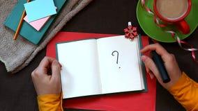 Handschrift-Fragezeichen auf schönem Hintergrund stock video